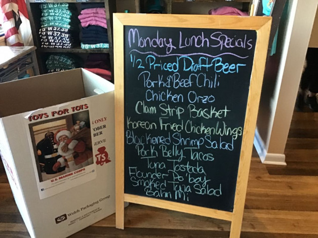 Monday Lunch Specials November 23rd,2020