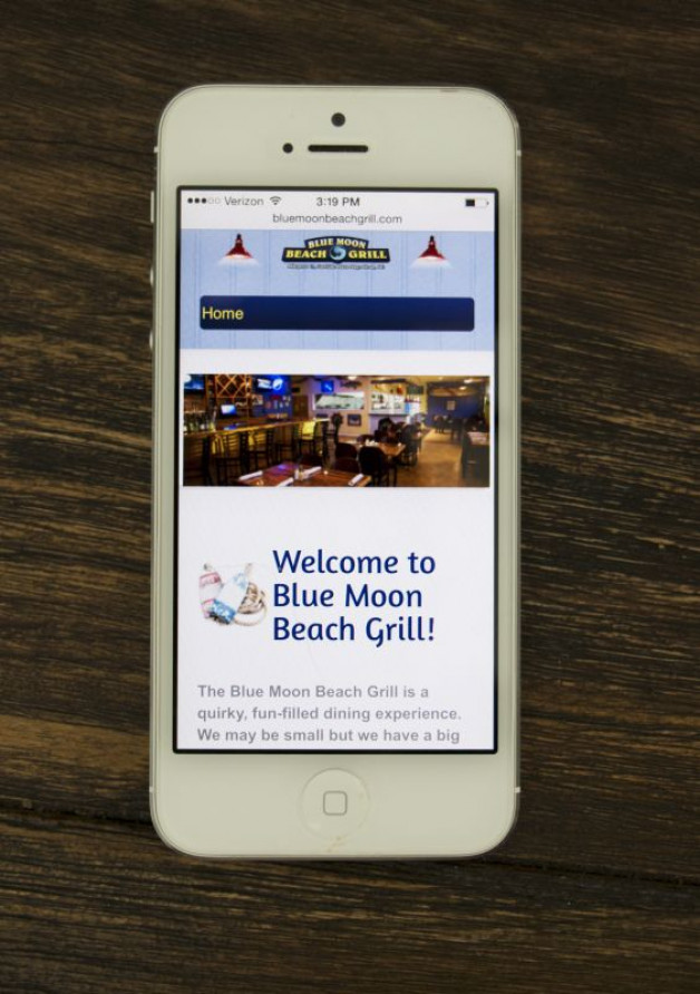bluemoonbeachgrill.com is now mobile!